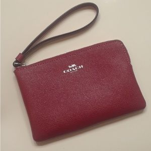 COACH RED WRISTLET.